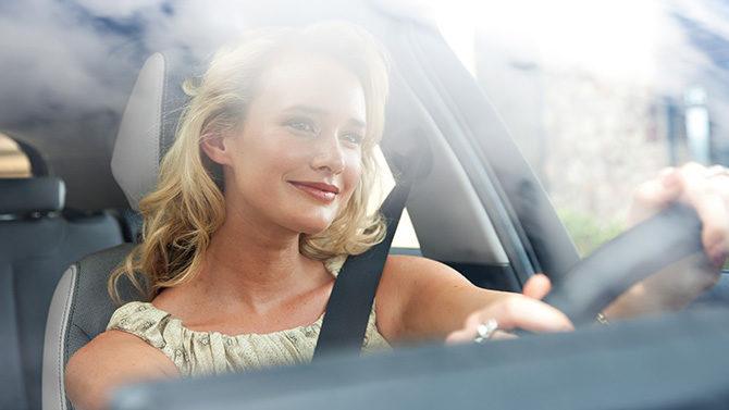 歓びに満ちた毎日を、安心して楽しむために。BMWドライブレコーダー